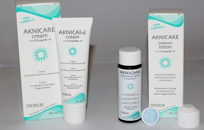 Lotion giảm mụn Aknicare Treatment Lotion