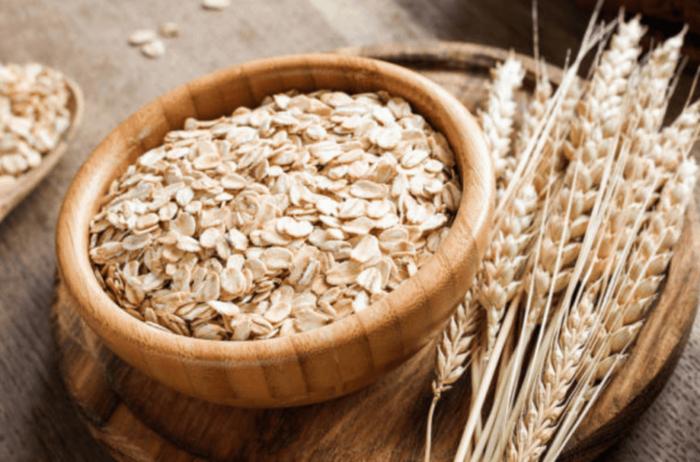 Chất xơ trong yến mạch giúp cải thiện hệ tiêu hóa.