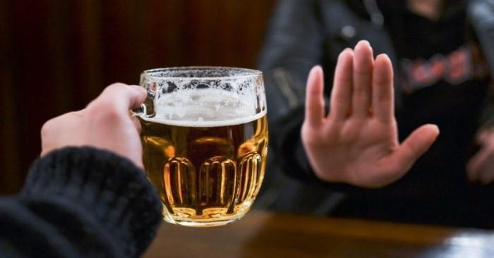Bia rượu có hàm lượng Purin cao nên cần hạn chế uống rượu bia