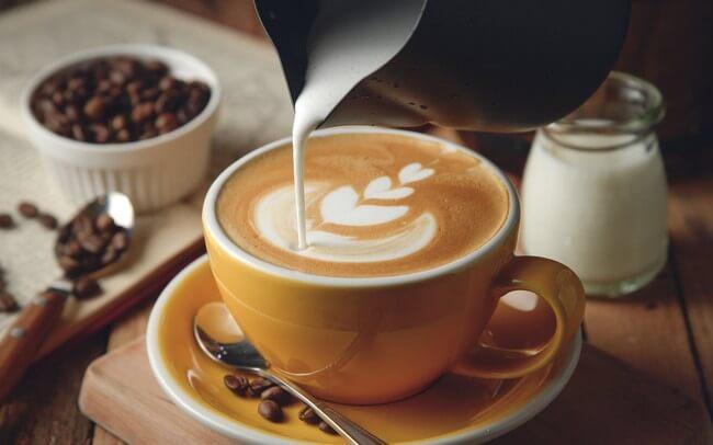 Caffe cũng là một trong những thực phẩm người bị acid uric cao nên kiêng