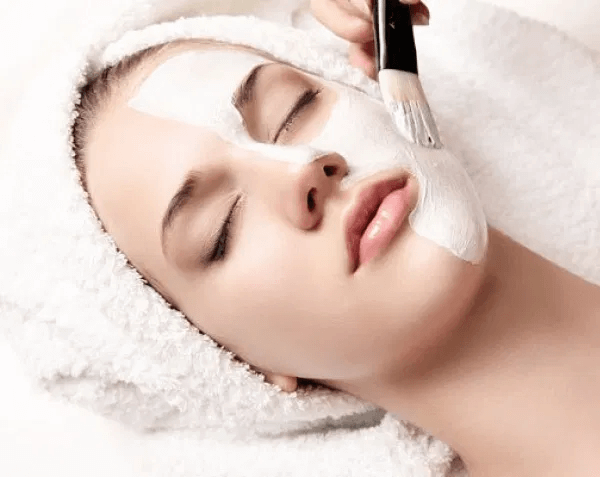 Dưỡng trắng da với sữa tươi không đường giúp cung cấp độ ẩm và khoáng chất có lợi cho da