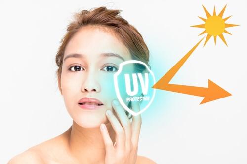 Kem chống nắng bảo vệ da khỏi tác động của tia UV