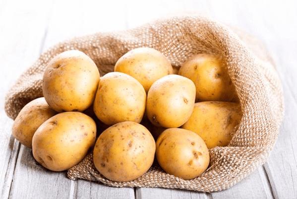 Khoai tây có khả năng làm trắng và giảm thô ráp cho da