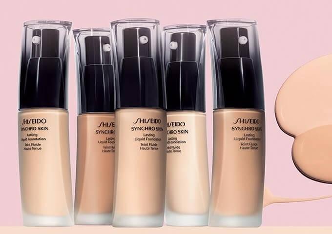 Kem nền phù hợp với làn da khô Shiseido Makeup Synchro Skin Lasting Liquid
