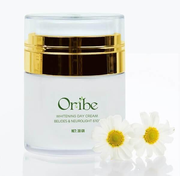 Sản phẩm kem dưỡng da ban ngày Oribe có khối lượng 30g