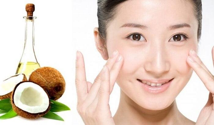 Sử dụng dầu dừa giúp cung cấp các dưỡng chất cần thiết cho da làm mềm mịn da hiệu quả