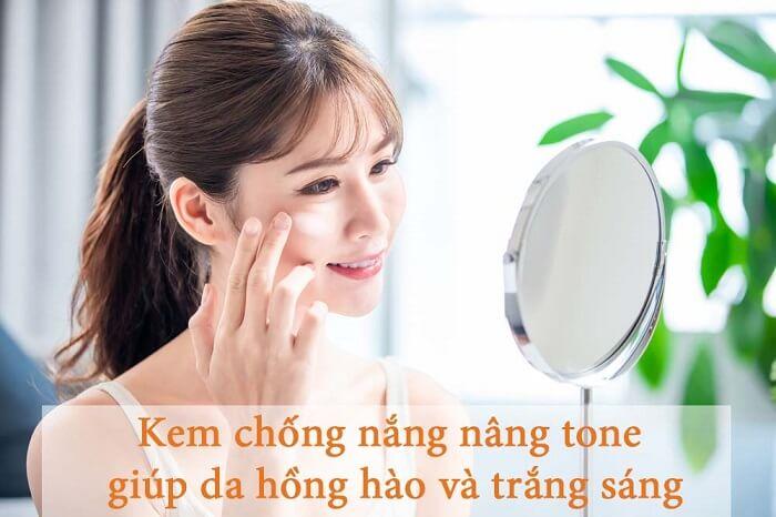 Sử dụng kem chống nắng nâng tone giúp da trắng hông tự nhiên