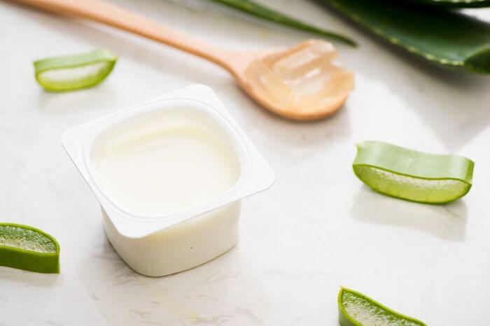 Sử dụng nha đam kết hợp với sữa chua giúp phục hồi và tái tạo tế bào da hiệu quả