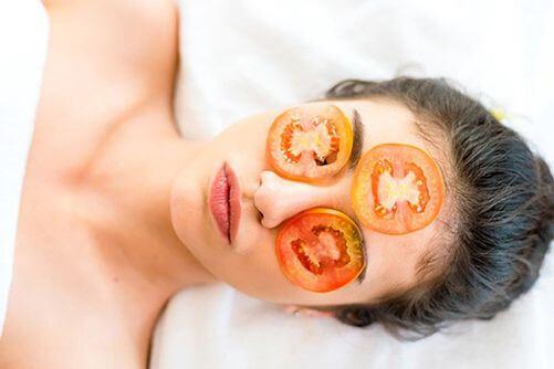 Trị thâm mụn với cà chua ngay tại nhà