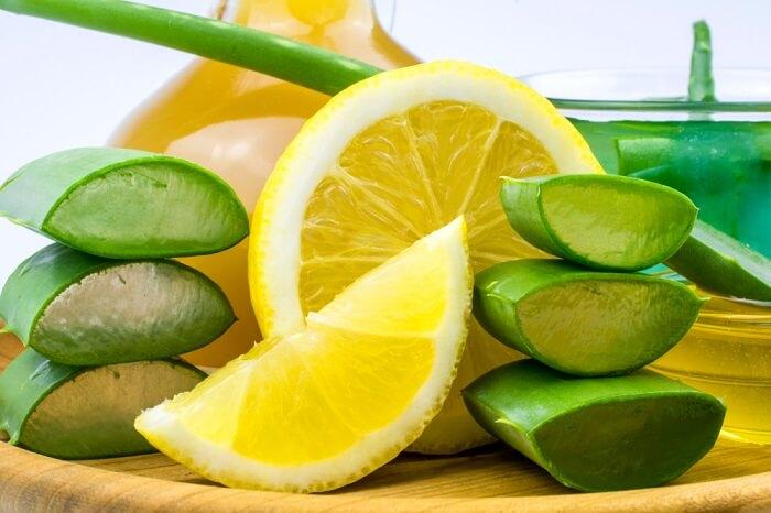 Trong chanh có chứa hàm lượng axit hữu cơ và vitamin c cao giúp xóa mờ các vết thâm, da sẫm màu hiệu quả